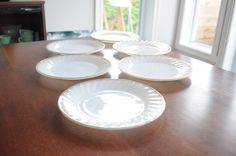 6 assiettes blanches avec bordures en or /Fire King/Anchor Hocking modèle tourbillon - vintage/Mid Century de la boutique 3rvintages sur Etsy