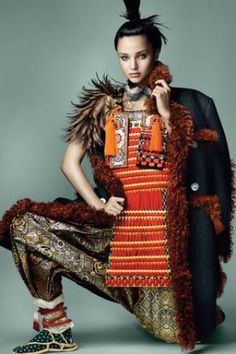 Miranda Kerr by Mario Testino for Vogue Japan   15周年記念第3弾となる『VOGUE JAPAN』11月号(9月27日(土)発売)