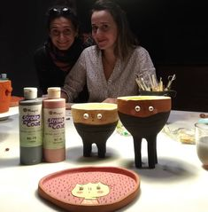 Böyle tatlı gülümsemeler :) #seramikatölyesi #seramik #seramikatolyesi #ceramics #ceramicworkshop #atelier #keramik #glaze #maycoatwork… Chocolate Fondue, Desserts, Instagram, Food, Atelier, Tailgate Desserts, Deserts, Essen, Postres