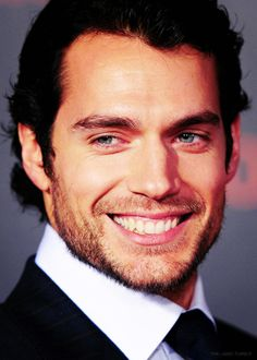#HenryCavill That smile! Immortals premiere picture - creative edit by the-jane.tumblr.com