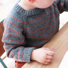 Love the colors. To remember for D Crochet Men, Crochet For Boys, Knitting For Kids, Baby Cardigan Knitting Pattern, Baby Knitting Patterns, Crochet Pattern, Knit Baby Sweaters, Boys Sweaters, Woolen Sweater Design
