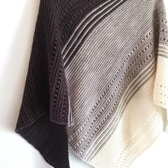 Gryer Shawl by Isabell Kraemer , tested by @b_s_moller | malabrigo Worsted in Natural, Pearl and Pearl Ten