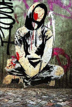 Volume five urban art wall murals, graffiti art & street art from great urban artists like ROA, Pixel Pancho, Shepard Fairey aka Obey, Mr Thoms and Zildra