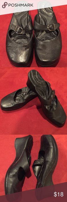 Dockers Black Faux Leather Mary Jane Slip On Shoes From the brand Dockers. Womens Size 8 1/2. Black Faux Leather wedge slip on Mary Jane style shoes in excellent condition. Light wear on the soles and to the outside toes but no major scuffs.   Reasonable offers welcome and I do not trade. 15% discount on bundles of 2 items Dockers Shoes Mules & Clogs