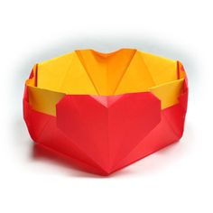 Learn to make and origami heart easily. Nice place to learn unique origami models using paper. Origami Design, Diy Origami, 3d Origami Heart, Origami Bowl, Origami Mouse, Origami Star Box, Origami Fish, How To Make Origami, Modular Origami