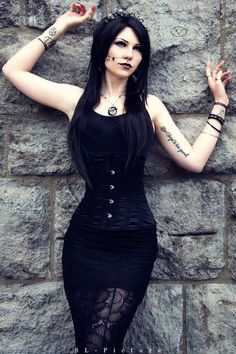 Model: Vipers Doll Photo: SL-Picture Welcome to Gothic and Amazing |www.gothicandamazing.com