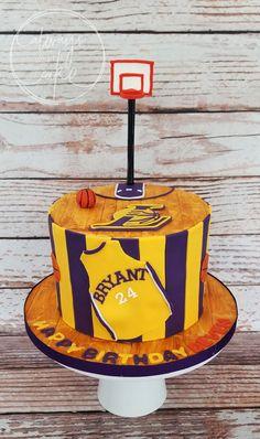 Celebration Cakes-Page 1 Teen Cakes, Cakes For Boys, Basketball Birthday, Basketball Cakes, Kobe Bryant Birthday, Cupcakes, Cupcake Cakes, Birthday Cake For Him, 13th Birthday