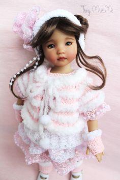 The Pink Outfit (Winter 2017) ☃️☃️☃️  #littledarlings #Tiny_MiniMe #EffnerLittleDarlings #Effner #Dollstagram #OOAK #vinyldoll #effnerdoll #dollphotos #dollphotography #littledarling #kayla #dollcollection #dollstyle #outfitfordoll