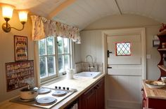 Shepherds Hut Interior Plans For Holidays 99 Ideas You Should Try (96)