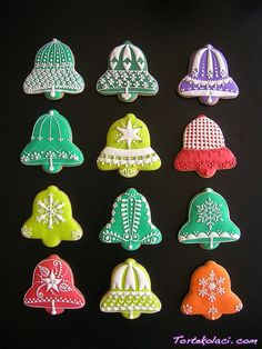 Cookie Decorating: When Making Sweets Becomes Art. Christmas Bells that are actually Beautiful! Christmas Sugar Cookies, Christmas Sweets, Christmas Bells, Holiday Cookies, Christmas Baking, Crochet Christmas, Christmas Angels, Christmas Gifts, Galletas Cookies