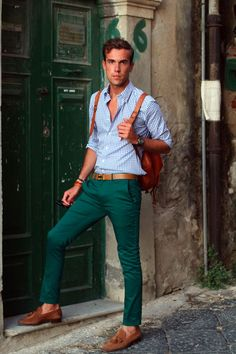 Filippo Cirulli was wearing: Olga Milano bespoken shirt Topman chinos Coral bracelet Belfiore handmade tussel loafers Hermes belt Chinos Men Outfit, Green Pants Outfit, Green Chinos, Style Masculin, Moda Blog, Casual Outfits, Men Casual, Autumn Fashion 2018, Casual Street Style