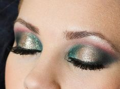 Red and Green Eyeshadow -great for Christmas