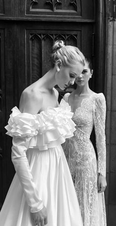 A dramatic, stunning ruffle wedding gown with off-the-shoulder sleeves for the bold bride - this is not your mother's taffeta dress. Jessa Gown from Livne White ARCADIA wedding dress collection by Alon Livne Asian Wedding Dress, 2015 Wedding Dresses, Wedding Dress Styles, Bridal Dresses, Wedding Gowns, Lace Wedding, Bridal Collection, Dress Collection, Mermaid Dresses