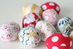 fabric-easter-eggs #wiltshiredaisy #carinagardner #retromama #diaryofaquilter #rileyblakedesigns