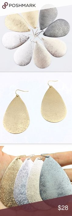 "❤️ Gold Metallic Tear Drop Earrings ❤️ Gold Metallic Tear Drop Earrings  ✨ Zinc Alloy ✨ 3"" Drop ✨ Made in USA  THIS LISTING IS FOR ONE SET OF GOLD TEAR DROP EARRINGS. Silver Shades Shop Boutique Jewelry Earrings"
