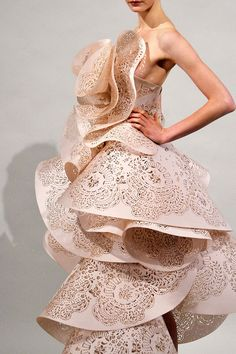 #3D #printed dress by laser cutting #3dPrintedFashion http://www.mylocal3dprinting.com/