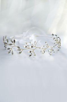 bridal headband, crystal headpiece, crystal tiara, winter wedding hair accessorie, crystal crown, bridal tiara, rhinestone halo, bridal halo