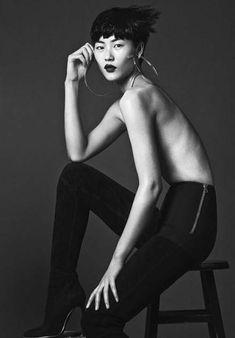 Liu Wen by Santiago Mauricio Liu Wen, Sitting Poses, Braided Hairstyles For Wedding, Beauty Shoot, Fashion Poses, Fashion Shoot, China Fashion, Japan Fashion, Beauty Editorial