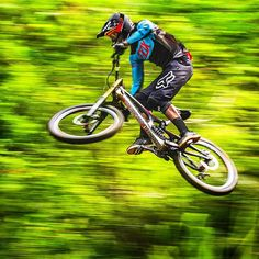 """""""The faster you ride, the more focused you get. #fox #mtb #bike #mountainbike #downhill #foxracing"""""""