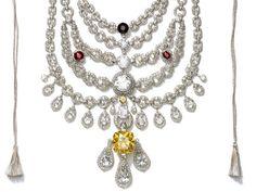 Cartier   Patiala necklace. Encargo del maharajá de Patiala –la ciudad más grande del Punjab– 1925. Uno de los collares más espectaculares de la historia.