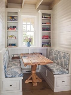 Lovely breakfast nook