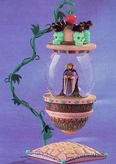 Disney Snowglobes Collectors Guide: Evil Queen