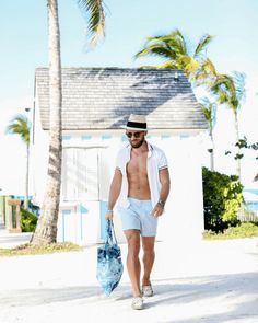 34c320708d5d Men s Beach Fashion Advice from a Full-Time Men s Style Blogger