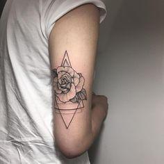Smart Tattoo Ideas provide tattoo ideas tips and tutorial. Smart Tattoo Ideas Provide only Tattoos ideas video. Bicep Tattoo Women, Inner Bicep Tattoo, Back Of Arm Tattoo, Flower Tattoo Arm, Dot Work Tattoo, Sexy Tattoos, Pretty Tattoos, Body Art Tattoos, Small Tattoos