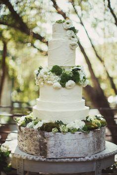 Garden Ranch Malibu Wedding: http://www.stylemepretty.com/2014/08/27/garden-ranch-malibu-wedding/ | Photography: AndySeo Studio - http://andyseostudio.com/  #wedding #cake #cupcake #caketopper