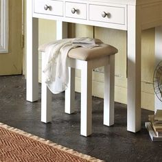 Stools | Oak, Solid Wood and White Stools | The Cotswold Company