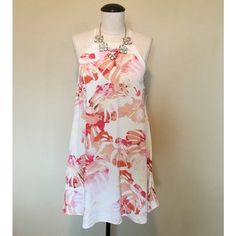 High-Neck Floral Print (White&Pink) Dress sz S NWT High-Neck Floral Print (White&Pink) Dress sz S NWT by Forever 21  It is brand new, with tags, never been worn. It has a zipper up the backside. The necklace is NOT included.                                  NO TRADES NO PAYPAL Forever 21 Dresses