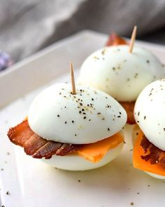 These Low-Carb 'Bacon And Eggers' Are Such An Easy Breakfast - low Carb Diet Plan- Paleo Diet Plan Low Carb Recipes, Diet Recipes, Cooking Recipes, Healthy Recipes, Lunch Recipes, Recipies, Healthy Meals, Crockpot Recipes, Healthy Summer Snacks