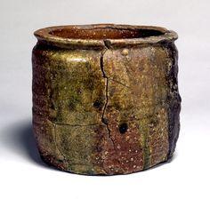 東京国立博物館 - コレクション 名品ギャラリー 陶磁 一重口水指(ひとえぐちみずさし) 銘 柴庵(めい しばのいおり) 拡大して表示