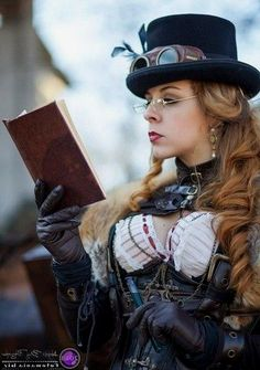 Top Gothic Fashion Tips To Keep You In Style. As trends change, and you age, be willing to alter your style so that you can always look your best. Consistently using good gothic fashion sense can help Steampunk Cosplay, Gothic Steampunk, Steampunk Clothing, Steampunk Fashion, Gothic Fashion, Style Fashion, Fashion Ideas, Gothic Clothing, Gothic Looks