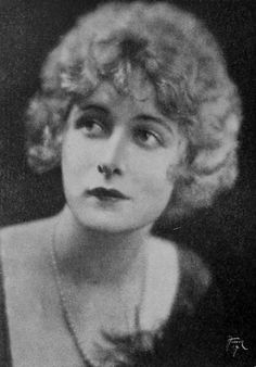 Mildred Harris by Hoover Art ca. (1921)