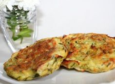 Recipe Link No Longer Available These Zucchini Feta Burgers are an excellent way to use up that abundance of zucchini from the garden. Serve with grilled vegetables or with tzatziki sauce Grilled Cheese Recipes, Vegetable Recipes, Vegetarian Recipes, Cooking Recipes, Albanian Recipes, Bosnian Recipes, Tzatziki Sauce, Feta, Easy Food To Make