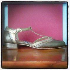 #flat #shoes #studio #design #workshop #Showroom #madrid #madeinspain #fashion #moda #zapatos #planos #flatshoes #porencargo 7dias y los enviamos donde quieras #atugusto www.jorgelarranaga.com