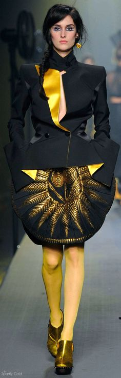 *.* Jean Paul Gaultier Fall 2015 Couture. Black & Yellow