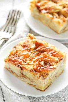 This bread pudding recipe is easy to make with just a few simple ingredients. Th… This bread pudding recipe is easy to make with just a few simple ingredients. This is one of our family's favorite recipes and perfect served with a big scoop of ice cream! Easy Pudding Recipes, Bread Recipes, Baking Recipes, Cake Recipes, Dessert Recipes, Bread Pudding Recipe New Orleans, Best Banana Bread Pudding Recipe, Easy Bread Pudding, Challah Bread Pudding