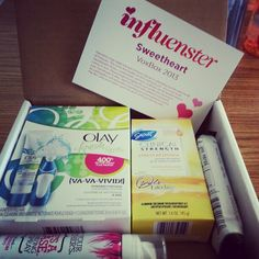 just opened my #SweetheartVoxbox Complimentary of @Influenster! Can't wait to try it all out! #Olaygetfresh #stresssweat #notyourmothers #skinnygirldailybars