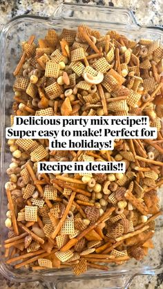 Best Thanksgiving Side Dishes, Thanksgiving Recipes, Christmas Snacks, Christmas Ideas, Chex Mix Muddy Buddies, Party Mix Recipe, Snack Mixes, Puppy Chow, Delicious Dinner Recipes