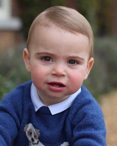 Prince Louis is officially the cutest royal in new first birthday photos Prince Charles, Prince William Et Kate, Kate Middleton, Maya, Royal Families Of Europe, Pull Bleu, First Birthday Pictures, Photos Of Prince, Young Prince