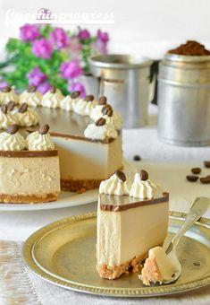Goat Cheese Cake with Hazelnut, Easy and Cheap - Clean Eating Snacks Cheap Clean Eating, Clean Eating Snacks, Bon Dessert, Torte Cake, Zucchini Cake, Salty Cake, Savoury Cake, Cheesecake Recipes, Sweet Recipes