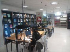 Sala de lectura Desk, Furniture, Home Decor, Reading Room, Organize, Desktop, Decoration Home, Room Decor, Table Desk