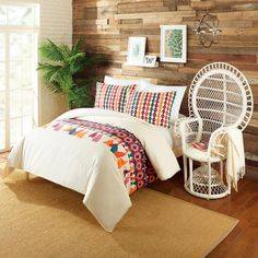 """Designed by Justina Blakeney for Peking. Product Details: Materials: 100% Cotton Dimensions: Full/Queen:Duvet - 90""""x96"""" comes with (2) Shams - 20""""x26"""" / Weight"""