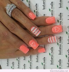 Botanic nails orange, white and gray with hearts