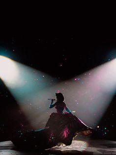 """""""Eu tinha tudo para fazer uma álbum obscuro, mas então deixei a luz entrar"""" - Katy Perry #PrismaticWorldTour"""