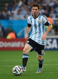 Faut il présenter l'argentin Lionel Messi ?