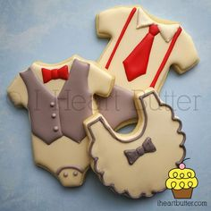 Cookie of onesies and bib decorated with Royal Icing for a boy baby shower