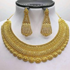 Mens Gold Jewelry, Gold Jewelry Simple, Gold Wedding Jewelry, Bridal Jewelry, Gold Earrings Designs, Gold Jewellery Design, Necklace Designs, Diamond Jewellery, Gold Necklace
